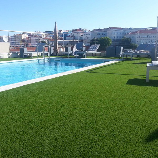 fake-grass-for-swimming-pool